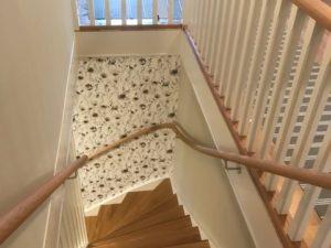 Svängda ledstänger till trappor